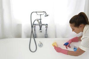 Как отбелить ванну в домашних условиях: основные способы чистки чугунных, акриловых и эмалевых покрытий